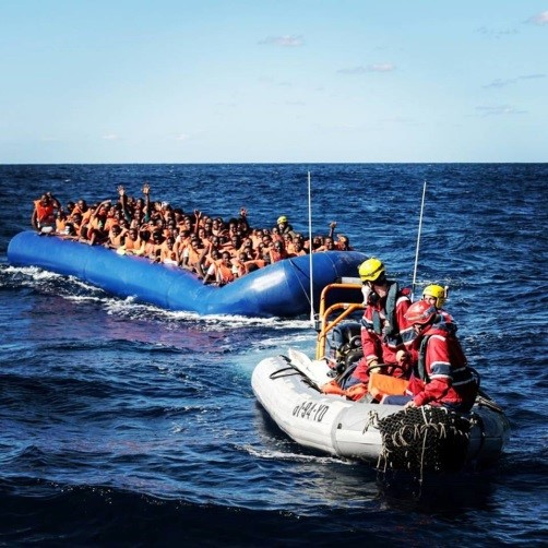 Picture courtesy of Karam Yahya, refugees crossing in a boat