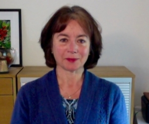 photo of Dr Elaine Thomas