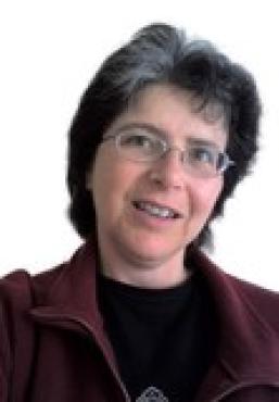 Head and shoulders photo of Maria Fernandez-Toro
