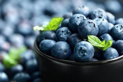 Shutterstock-191954015 Bowl of blueberries
