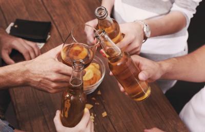 People drinking beer