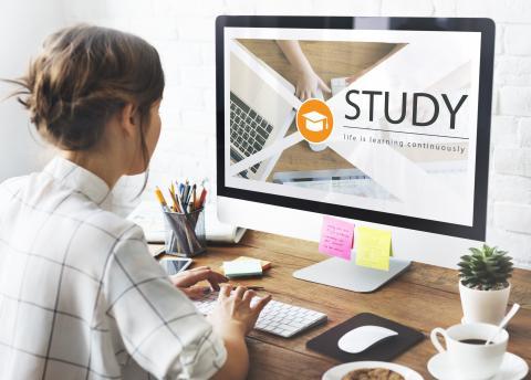 Shutterstock-563772010 Distant education