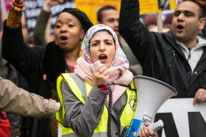 Shutterstock-604604162 Migrants marching
